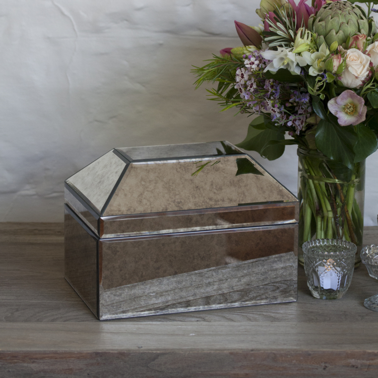 mercury glass silver cards box wishing well - Style my day - Wedding and Event - Hire and styling