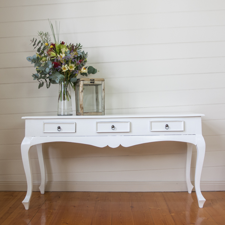 buffet entrance table - Style my day - Wedding and Event - Hire and styling furniture