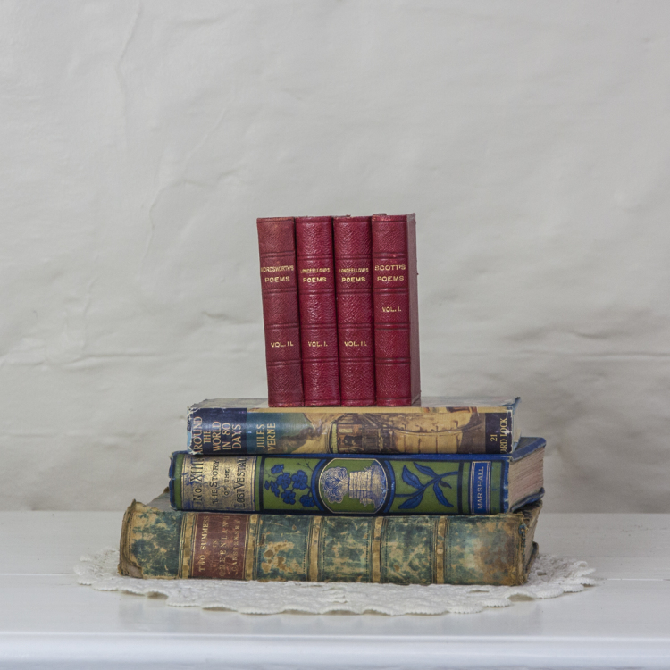 vintage books to - Style my day - Wedding and Event - Hire and styling