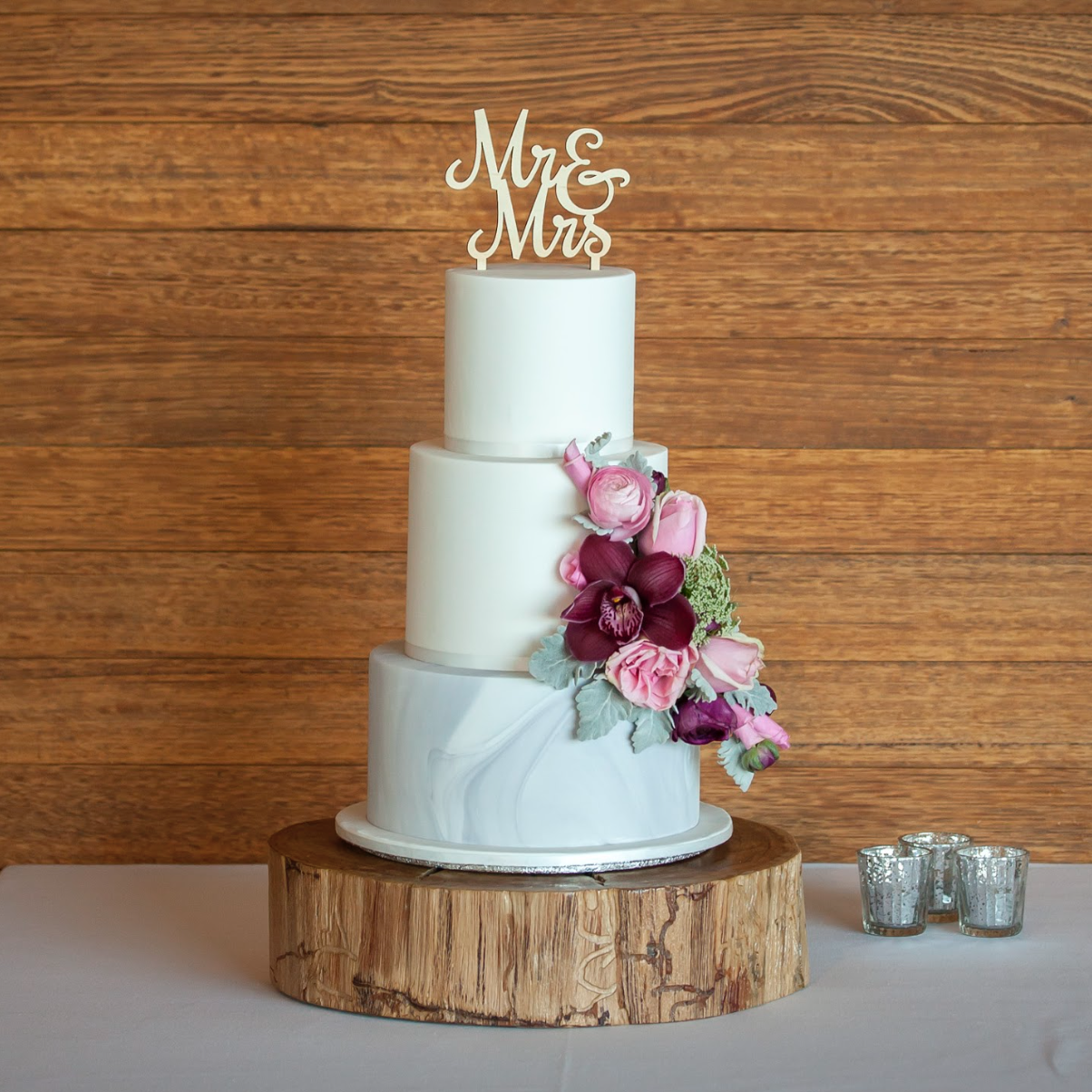 Rustic Wedding Wood Cake Stand: Rustic Wood Cake Stand