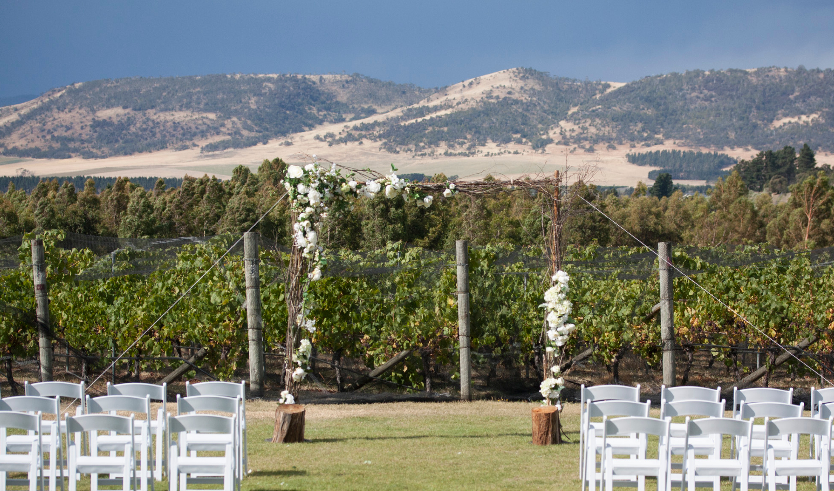 Emma & Shaun Frogmore Creek Winery Wedding - Style my day